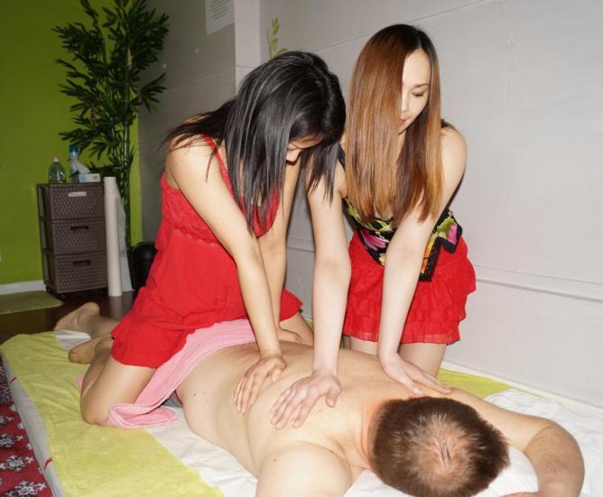 Massage 4 mains